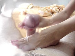 YouPorn - Cum on her feet (again)
