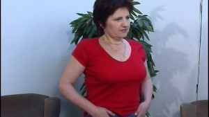 MILF in pantyhose plays