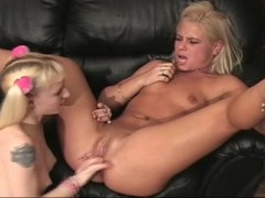 Picture Candi and Britni get it on
