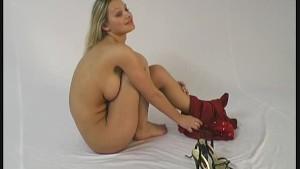 Busty Spandex Girl Sahra sprea
