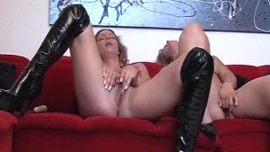 Two brunettes in hot action [C