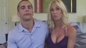 Couple Seduces HOTTIE