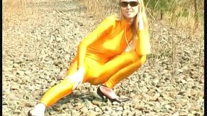 Katherina in yellow spandex in