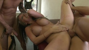 Courtney Cummz - Hot Ass Gets
