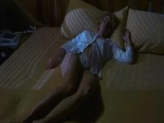 hollow man 1 Elisabeth Shue 4