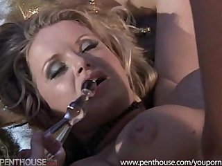 Hardcore Blonde Blowjob video: Hot MILF Getting Fucked By 2 Guys