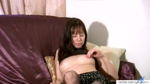 Amateur housewife in lingerie toys pussy