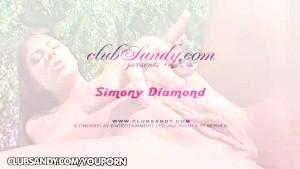 Outdoors Simony Diamond