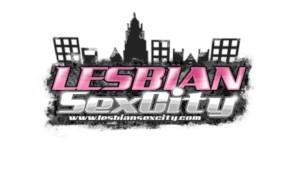 Beautiful Lesbians Licking Pussy