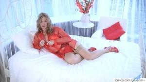 Camilla in long amazing mature solo orgasm