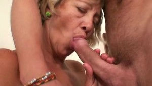 Mature shy cleaning woman fuck