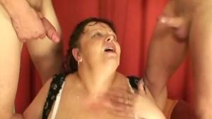Fat mature pornstar gives inte