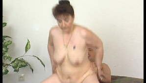 hairy mature slut receives cock up her cunt until she gets facialized