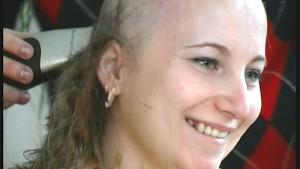 Real bizarre Girl loosing her long hair