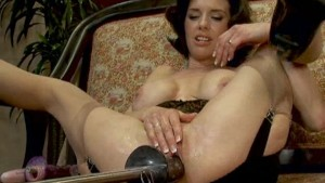 Hot Squirting MILF machine fuc