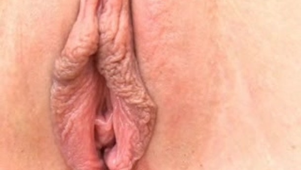 Sending waves of pleasure to her clit till orgasm 6