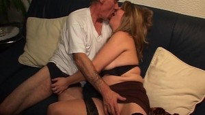 Gramps Grinds a Hottie