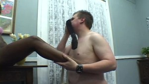 Ebony  chick has white guy going wild for her feet PT.2/3