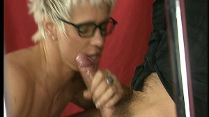 MILF gets her prize all over h