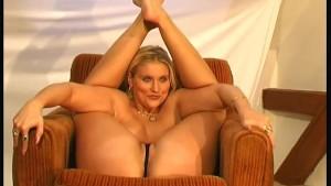 Flexi dildo babe porn