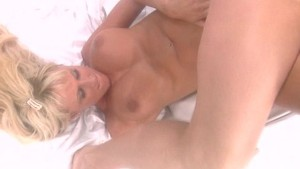 Busty blonde gets her pussy ta