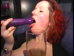 Red haired beauty fiddles with herself (clip)