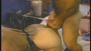 Little persons penis probes blondes pussy (clip)