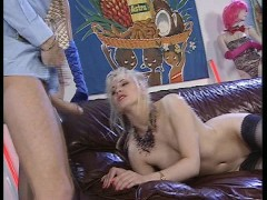Picture Wonderful sex on the sofa CLIP