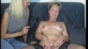MILF rubs herself all over