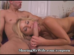 Hot Wife Has Juicy Pussy Fucked
