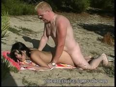 18yo girl fucked by voyeur at beach