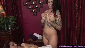 Hottest lesbo massage ever by a Tattooed chick