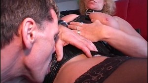 guy does some serious pussy plowing on this mature