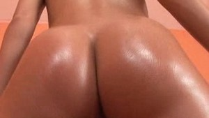 Gorgeous Brunette Paula Shakes Booty