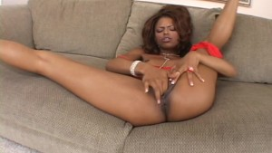 Marie Luv's fingers give her much pleasure (clip)