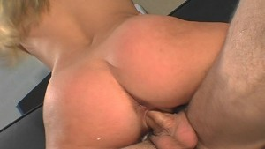 Girl gets hot cum load in the face