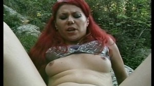 Beautiful redhead gets fucked by a black Frenchman (CLIP)