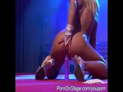 flexi girl on stage