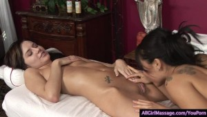 Asa Akira Tastes a Sweet Pussy During a Massage