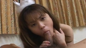 Petite Asian gets her pussy st