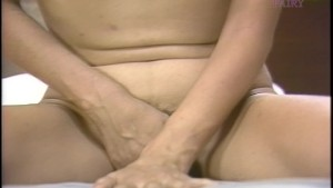 Asian cutie gets herself off