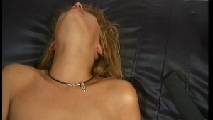 Babe Plays With Her Twat