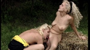 Blonde Lesbos Fisting