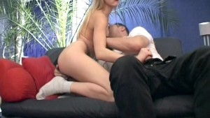 Blonde babe sucking and bounci