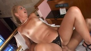 Horny mature Latina gets what
