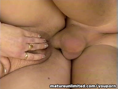 Mature fill her hole