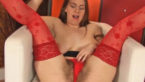 Erin Eden fingers her bush in stockings