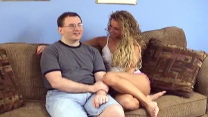 Logan gets a BJ from amateur Holly