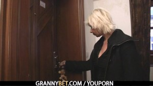 Blonde granny allows him drill her pussy