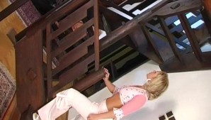 Blonde takes big load on her face - Banapro s.r.o.